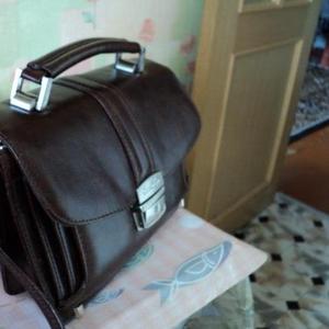 Продаются портфель и барсетка
