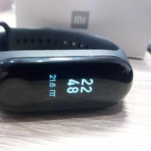 Продаём Xiaomi Mi band 3 новые,  русский
